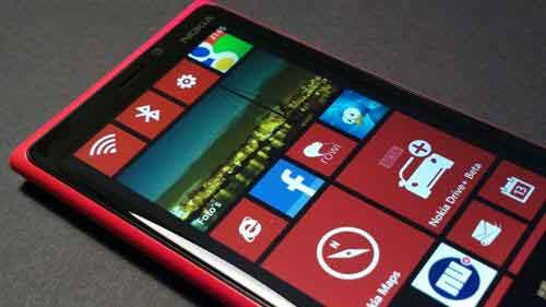 Nokia unveils new Windows phones, first tablet