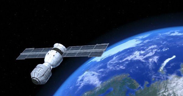Chinese space lab re-enters Earths atmosphere