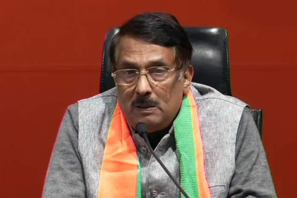 Setback for Congress as key Sonia Gandhi aide Tom Vadakkan joins BJP