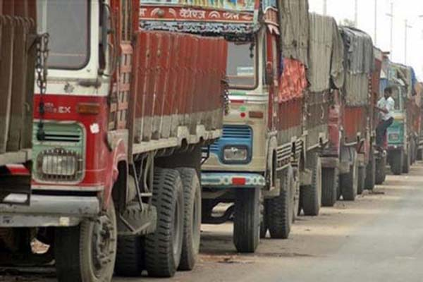 Maharashtra truckers seek compensation for burnt/damaged vehicles