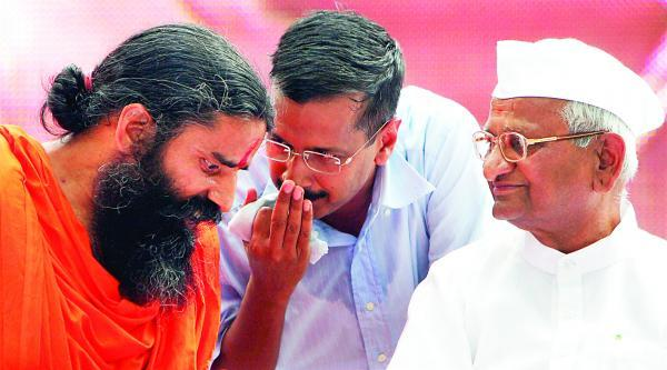 Ramdev snubs Kejriwal disapproving his comments against PM