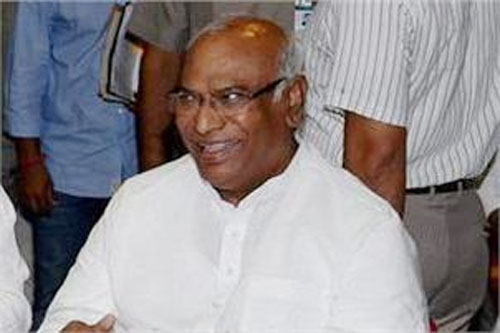 Kharge meets LS Speaker over LoP issue
