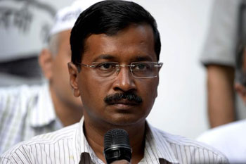 EC issues notice to Kejriwal