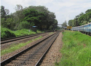 Iron pipe detected on rail track in Kozhikode, mishap averted