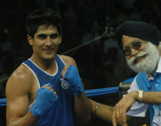 Olympic boxing: Vijender powers his way to pre-quarters