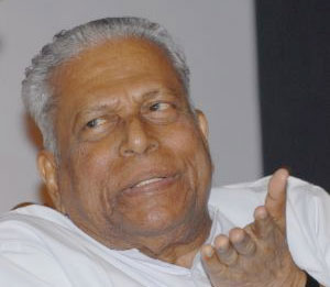 Employees in few TV channels not getting salary: Achuthanandan