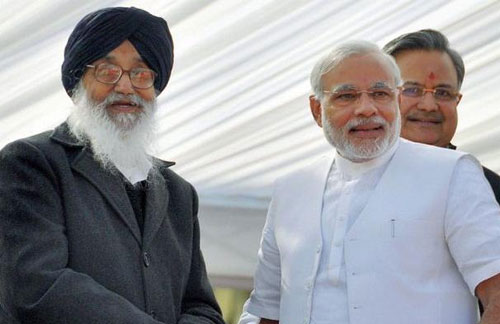 Badal meets Modi, demands probe into 1984 riot