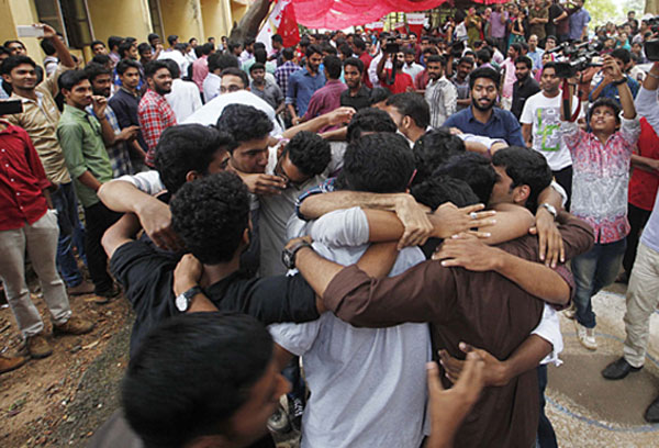 Law College students served notice over Hug of Love protest
