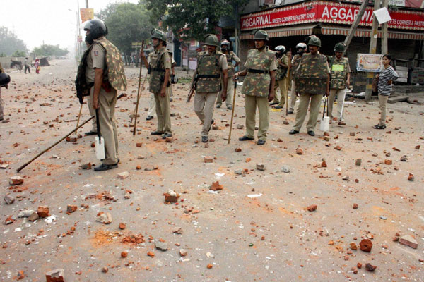 Five shot at in Delhi rioting, 70 arrested