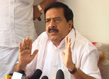 Chennithala hits out at LDF over bar bribe row