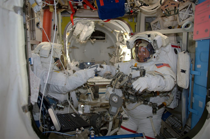 NASA astronauts complete power upgrade spacewalk